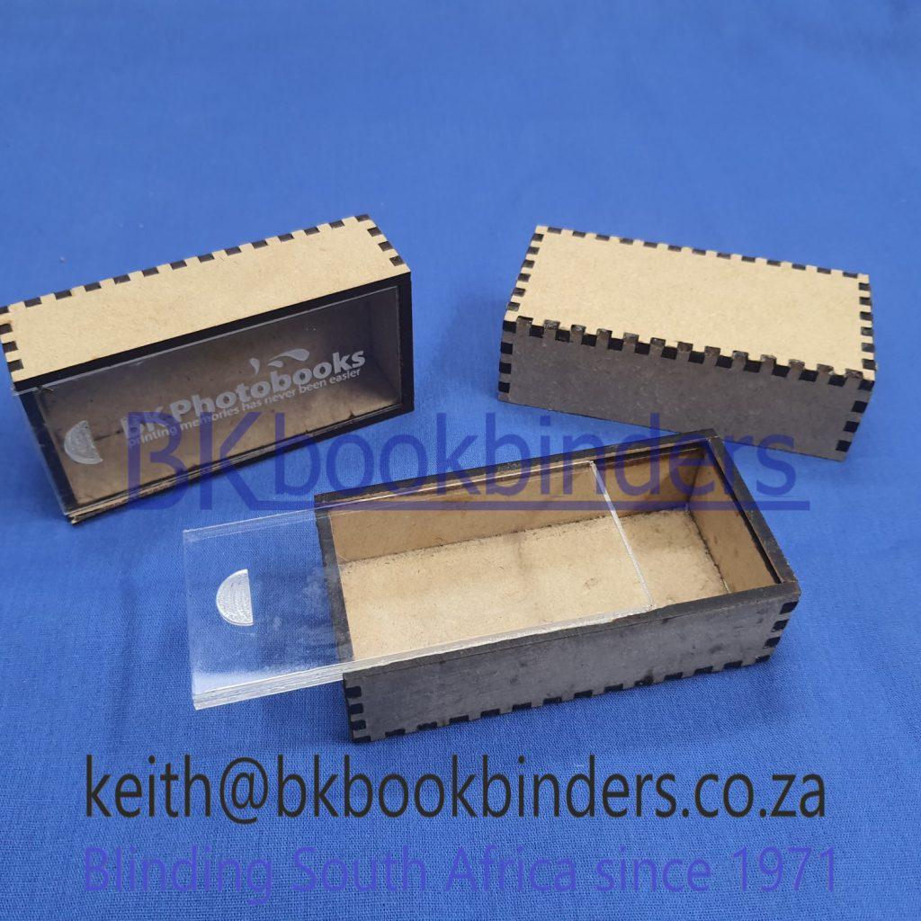 Pretoria-plain-white-gift-box-laser-etching-brass-ready-made-gift-boxes-laser-etching-brass-Cape-Town-Cape-Town-large-black-gift-box-portable-laser-etcher-gift-boxes-bulk